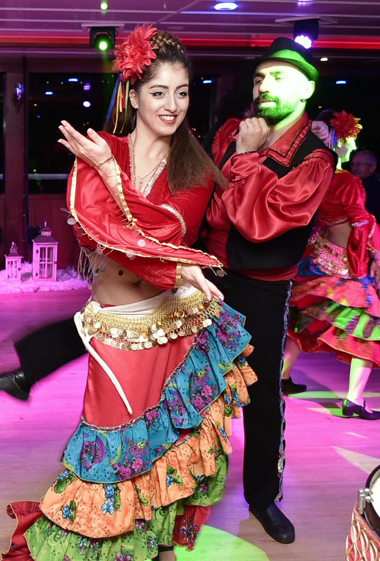 roman-dance-pereme